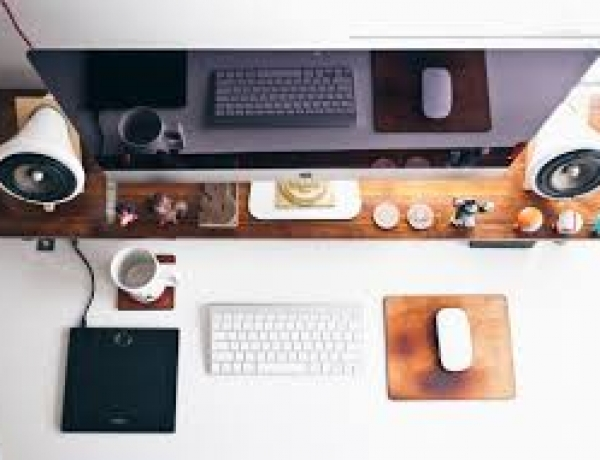 10 Essential Blogging Tools